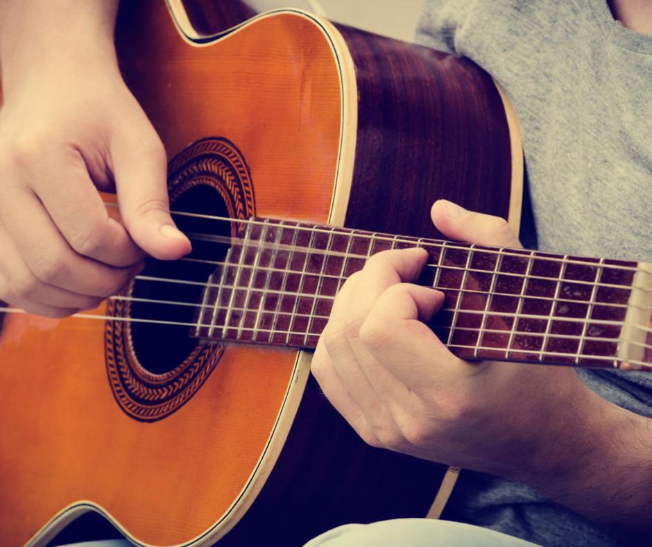 tomar clases de guitarra